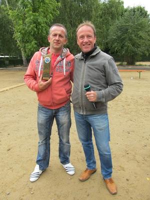 Ossis im Glück: Jens Riedel (l.) ist Deutscher Meister und DPV-Vize Hartmut Lohß (r.) freut sich mindestens genauso doll :-)