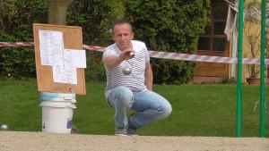 Jens Riedel beim Abwurf