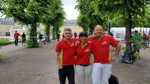 Holten sich einen Pokal für den 3. Platz im B-Turnier: Christian Schache (Jena), Laura Schneider (Horken-Kittlitz) und Michael Bosold (HRC)