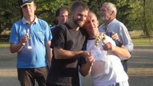 Siegerfoto: vorne Stefan Lauche und Jens Riedel, im Hintergrund Detlef Schwede und Ingo Wonsack, daneben Turnier-Mitorganisator Leander Leisky